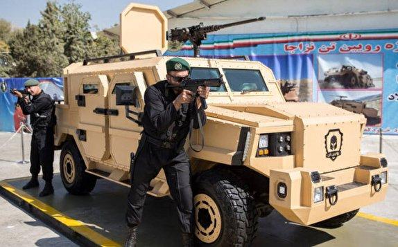باشگاه خبرنگاران -وحشت تروریستها از نسل جدید سربازان آهنی نزاجا/  شعله خودروهای انتحاری با رباتهای مسلح خاموش میشود + عکس