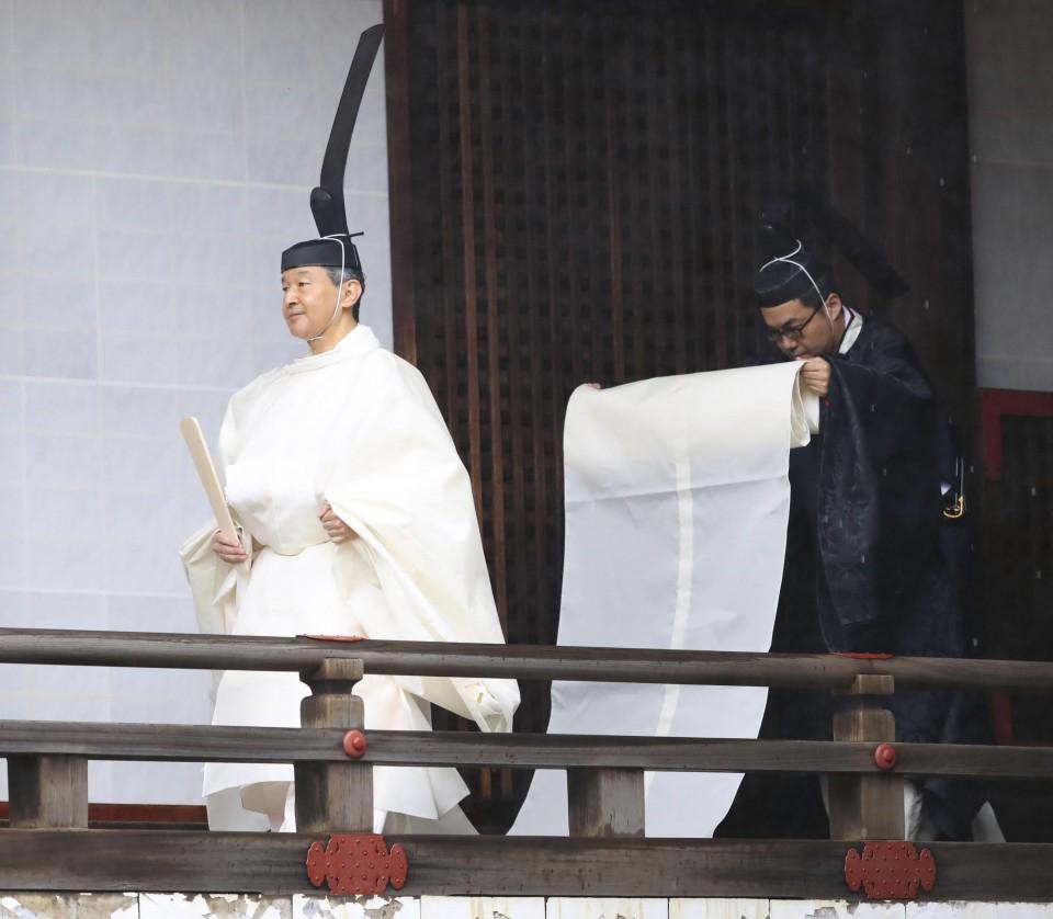 مراسم تاجگذاری امپراتور ژاپن برگزار شد