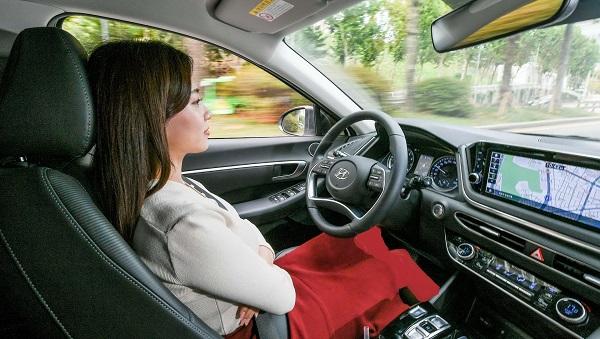 اولین فناوری کروز کنترل مبتنی بر هوش مصنوعی در خودروهای هیوندا