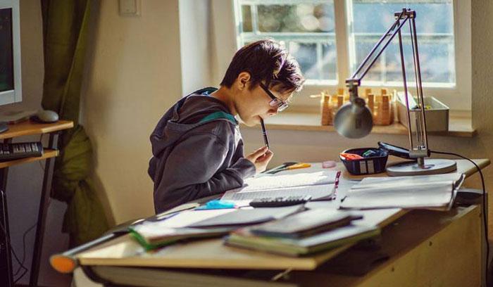 ساعت14/ 7مهر/چگونه دانش آموزان در کمترین زمان می توانند درس بخوانند
