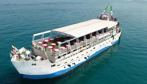 کشتی دربستی و میهمانی روی دریا؛ تفریحات جدید پولدارها