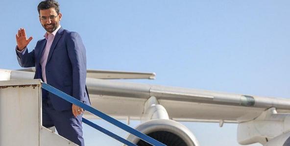 پس از حواشی ۲۰۰ لپتاپ حالا هواپیمای اختصاصی آقای وزیر خبرساز شد