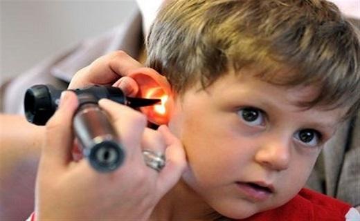 کمشنوایی، معلولیتی پنهان که خیلی دیر آشکار میشود / کمشنوایی به سراغ کدام کودکان میآید؟