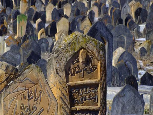 گورستانی در مازندران که اجساد آن نمیپوسند!