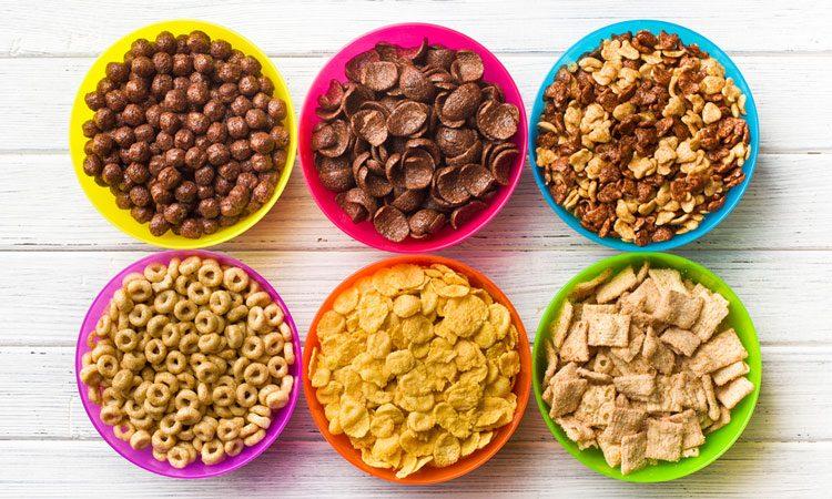 مضرترین خوراکیهایی که اغلب به کودکانمان میدهیم!