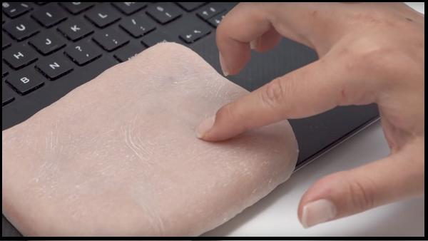 دانشمندان موفق به نوعی پوست مصنوعی هوشمند شدند