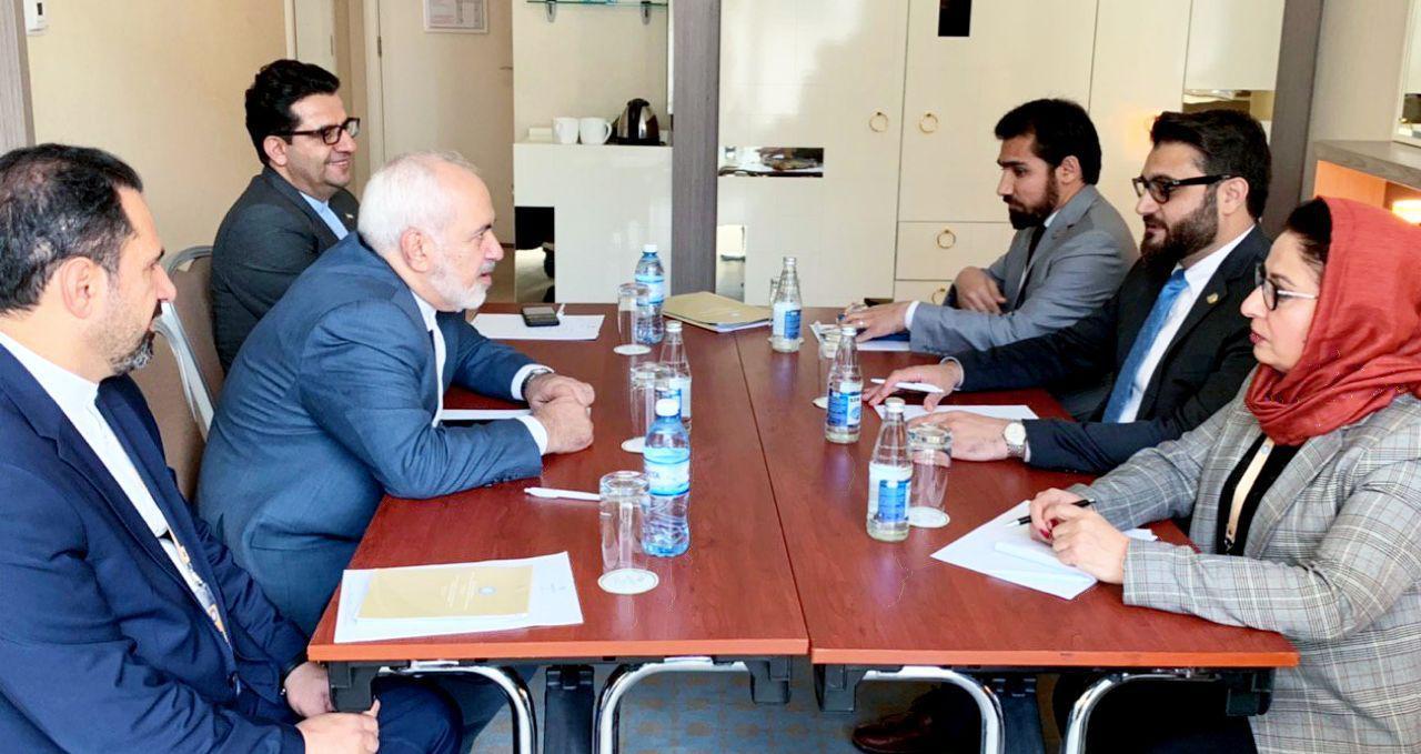 ملاقات مشاور امنیت ملی افغانستان با ظریف