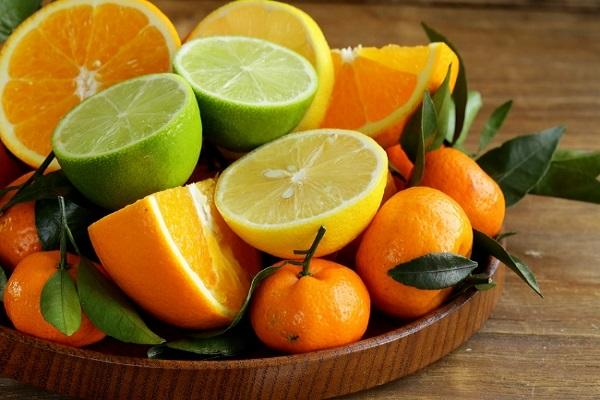 پیش بینی تولید ۴.۵ میلیون تن مرکبات در کشور/باغداران از سبززدایی پرتقال اجتناب کنند یا نارنگی بدون رنگ آوری و واکس زدن به بازار عرضه میشود