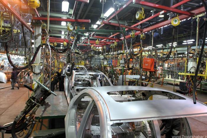 دزدی یا صرفه جویی در هزینه تولید خودرو؟/ خودروسازهایی که از سر و دم محصولاتشان میزنند/ آپشنالهای بیآپشن در خودروسازهای کشور/ عقبگرد خودروسازها در استراتژی توسعه محصولات