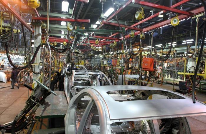 آپشنالهای بیآپشن در خودروسازهای کشور/ عقبگرد خودروسازها در استراتژی توسعه محصولات