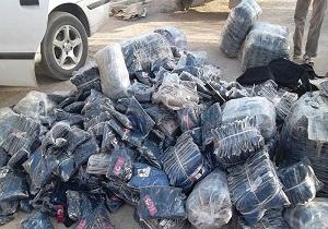بیش از ۲ هزار ثوب لباس قاچاق داخل پراید کشف شد
