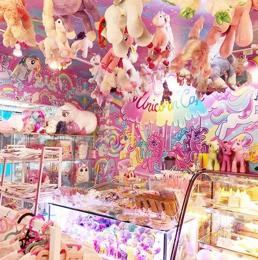 عجیبترین و رنگارنگترین کافه جهان+تصاویر