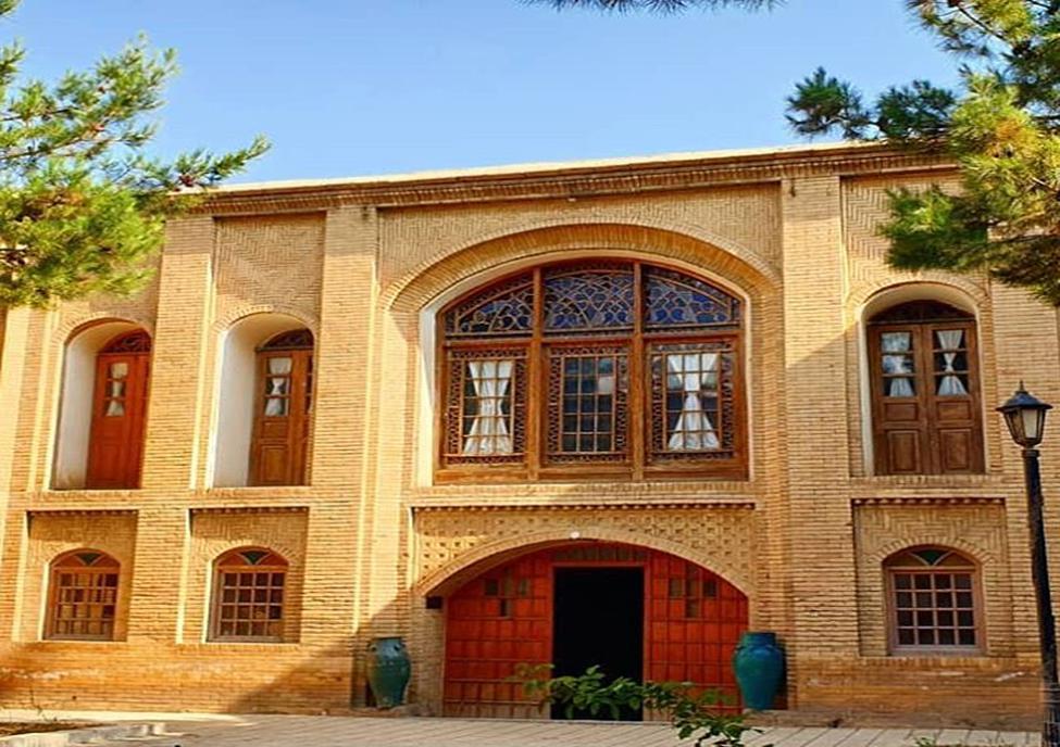 نگاهی به تاریخ پر رمز و راز قاجار در خانه لطفعلیان + تصاویر
