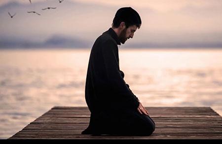 تأخیر در نماز اول وقت چه پیامد هایی دارد؟