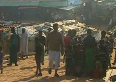 انتقال پناهجویان روهینگیایی به جزیرهای سیل خیز در بنگلادش + فیلم