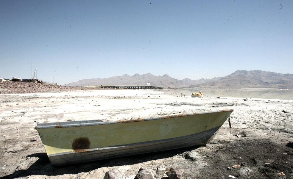 شوخی خطرناک با خزر / آیا سرنوشت دریای خزر همانند دریاچه ارومیه می شود؟ /وعده سرخرمن انتقال آب دریای خزر
