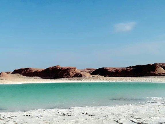 باشگاه خبرنگاران - سیلاب دریاچه ای زیبا در دل کویر ایجاد کرد + تصاویر