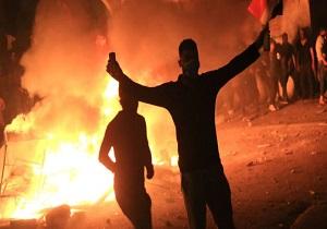 عراقیهای معترض خانه سه نماینده را به آتش کشیدند