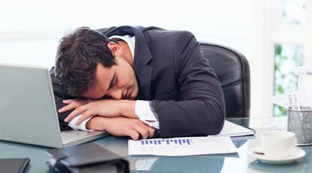 ساعت10/ عاملی که موجب خواب آلودگی صبحگاه می شود/ پرخوری عصبی که موجب چاقی و بیماری افراد خواهد شد