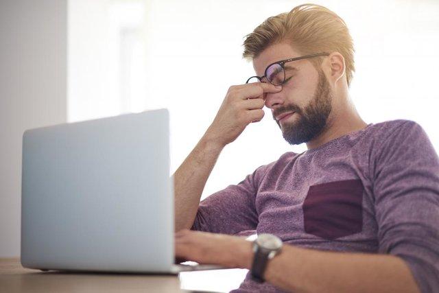 ۵ دلیل احساس خستگی در طول روز