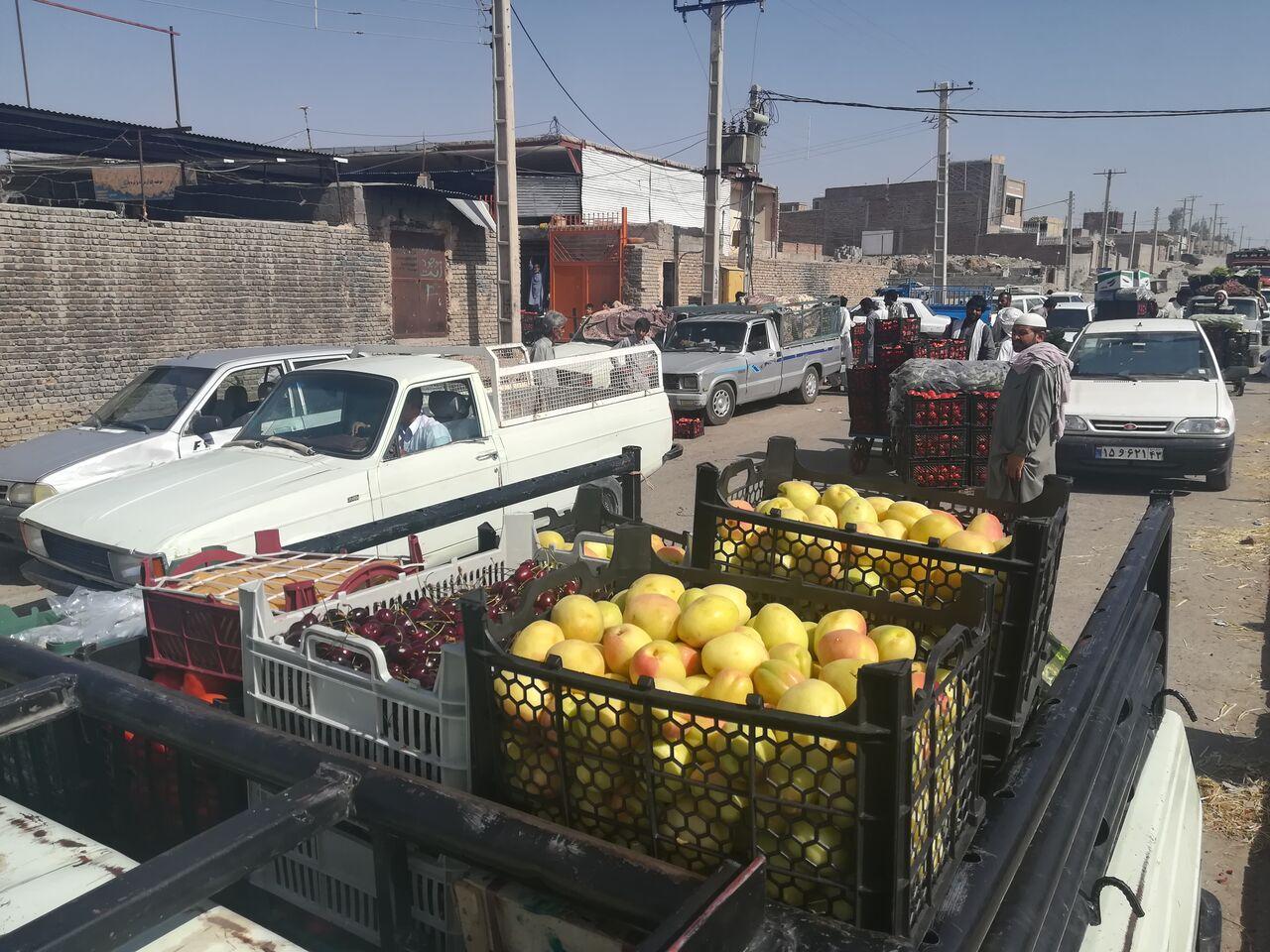 ارائه فاکتور به خریداران میوه و تره بار در ایرانشهر ضروری است