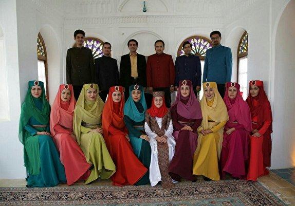 باشگاه خبرنگاران - اجرای موسیقی با لباس سنتی و گویش کرمانی