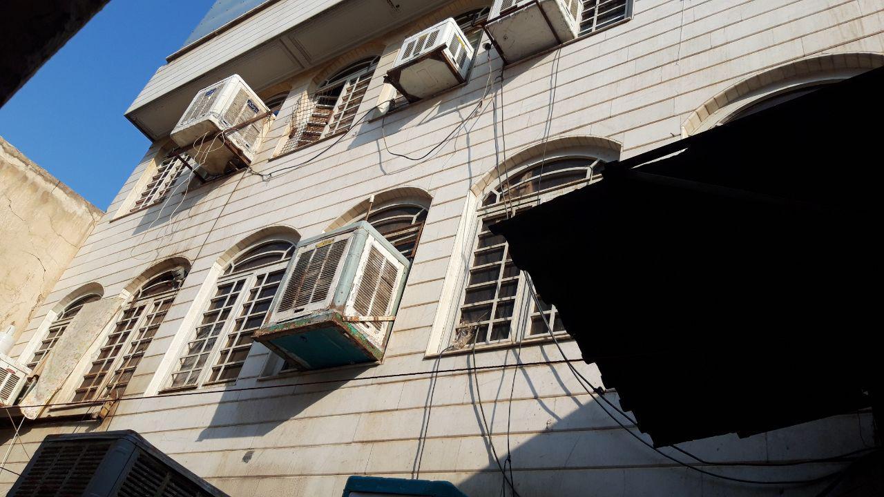 خانههای مجردی میدان امام حسین (ع) پلمب شدند+ عکس