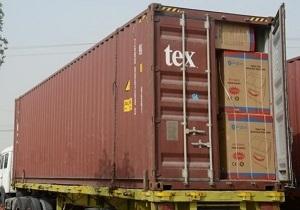 کشف محموله بزرگ لوازم و قطعات ماشین لباسشوئی قاچاق در بندرعباس/ توقیف ۱۳ کامیون