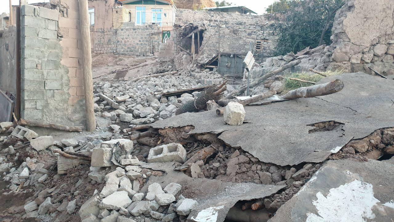 آمادگی دانشگاه آزاد برای اسکان زلزلهزدگان/ کلاسهای آموزشی واحد سراب تعطیل شدند