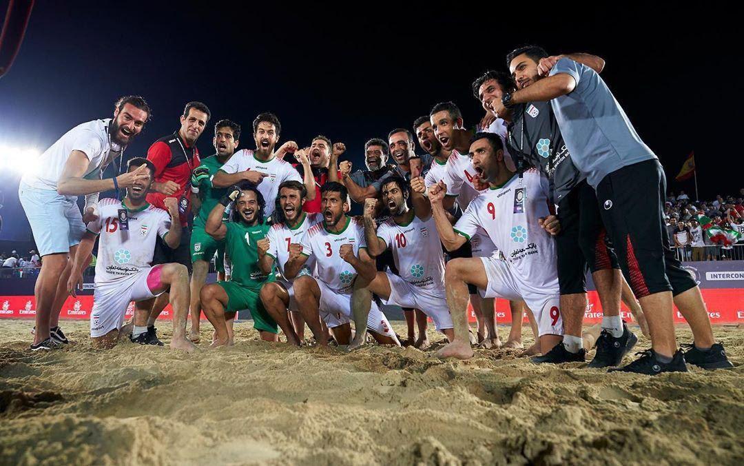 ایران ۱ (۴) - امارات ۱ (۳) / میزبان هم حریف ساحلی بازان ایران نشد/ صعود فوتبال ساحلی ایران به فینال