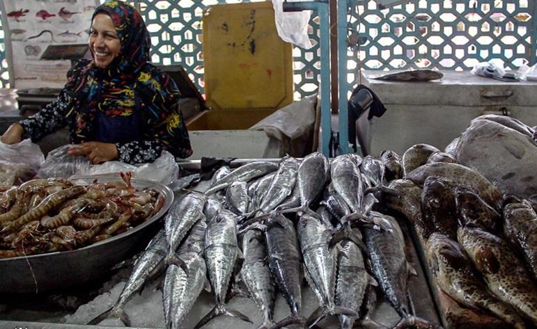 ماجرای استفاده از آبزیان حرام گوشت در کنسروها و رستوران ها/ نظارتهای نهادهای بهداشتی بر بازار ماهی فروشان