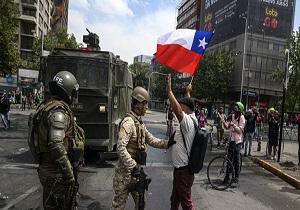 ادامه تظاهرات گسترده در شیلی/ معترضان یک دانشگاه را به آتش کشیدند