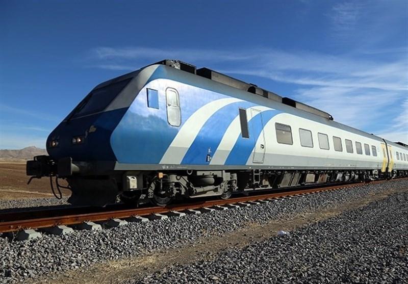 قطار همدان - تهران باید چارتر شود