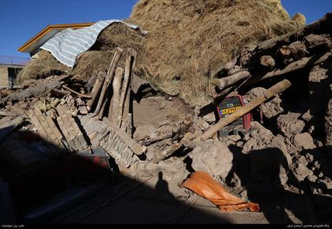ارسال نخستین محموله کمک مردم مراغه به مناطق زلزله زده میانه