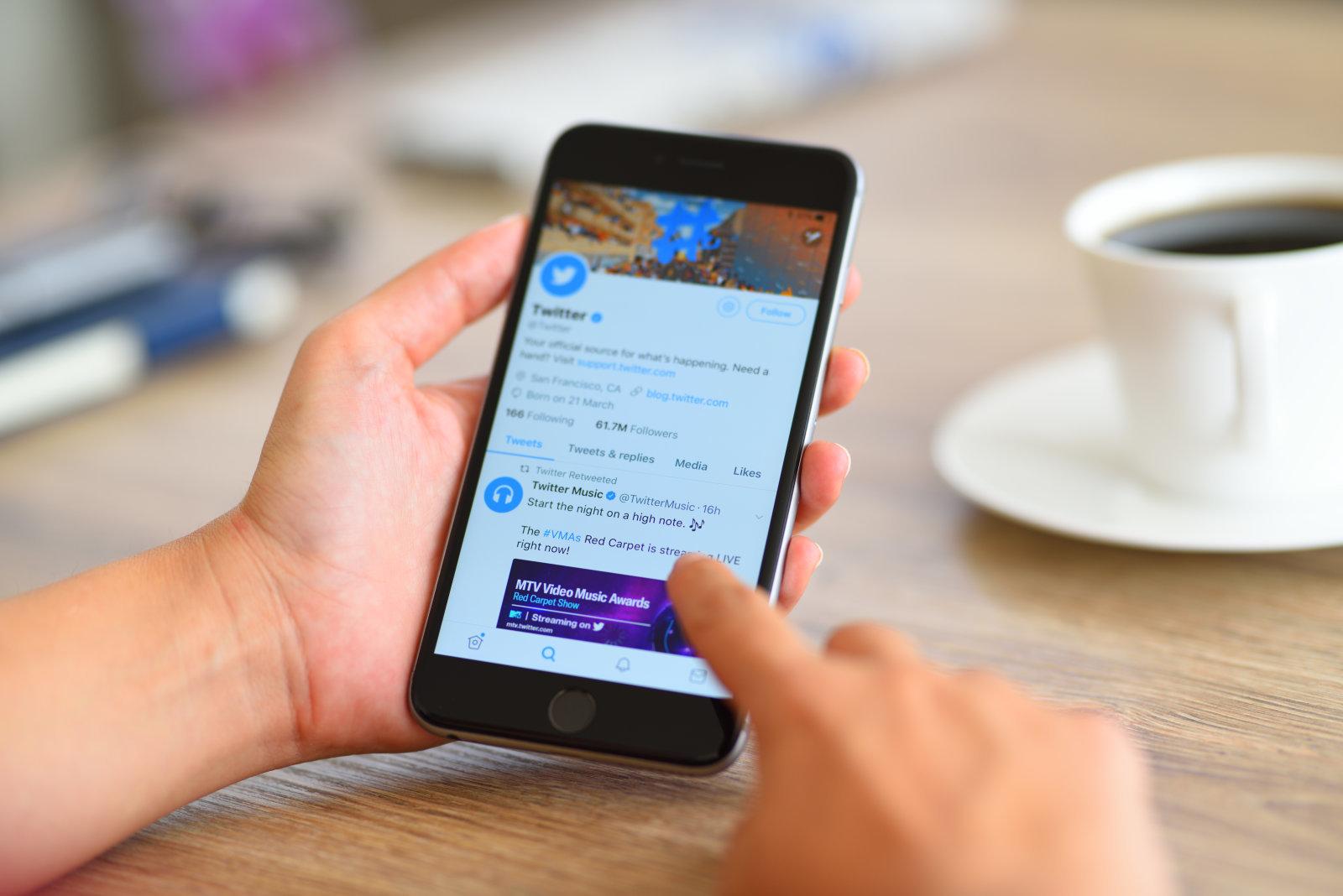 افزایش دقت کاربران در هنگام توئیت با ایموجیهای خودکار توئیتر