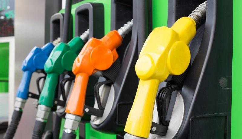 هنوز تصمیمی برای سهمیه بندی یا افزایش قیمت بنزین گرفته نشده است