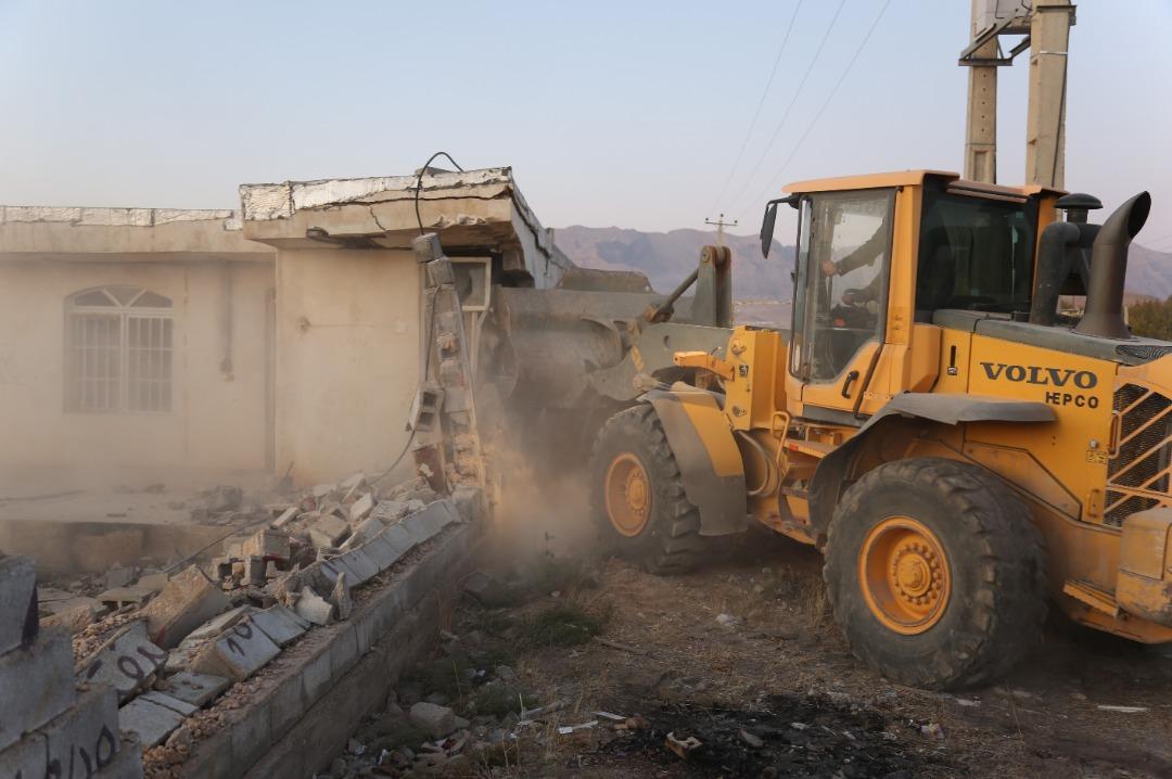 تخریب باغشهرهای غیرمجاز در صدرا
