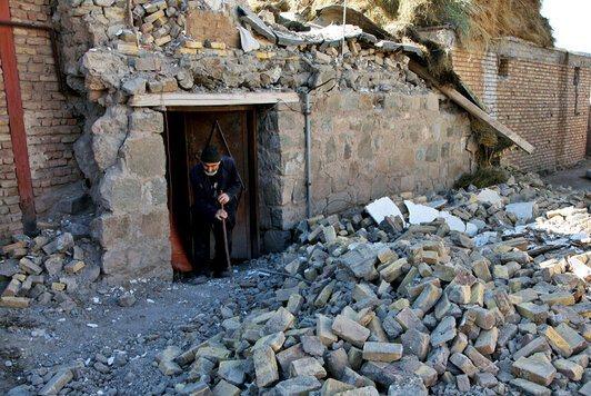 خسارت زلزله به ۲ هزار و ۹۴۵ واحد مسکونی در میانه و سراب