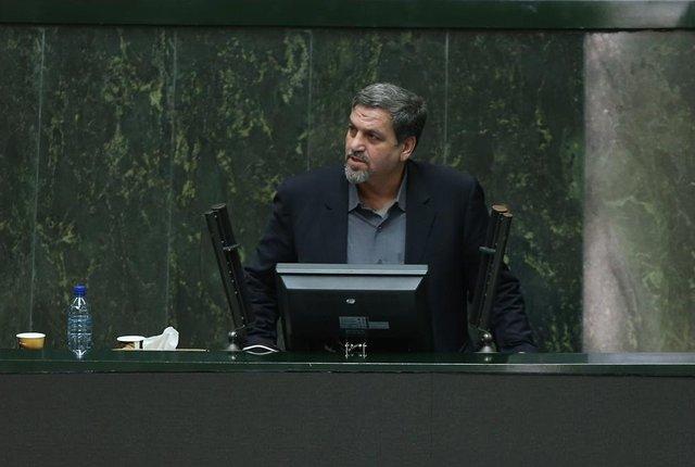 کواکبیان: مخالفان استعفای جلالی باید در موضوع صحبت کنند
