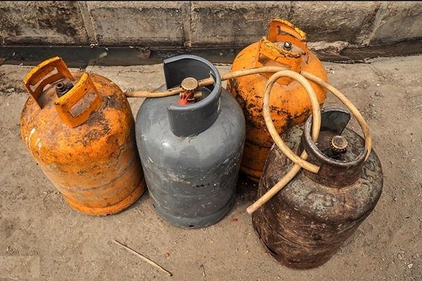 «صادرات»، دلیل کمبود و گرانی گاز سیلندری/ اعلام قیمت مصوب کپسولهای ۲ و ۱۱ کیلویی