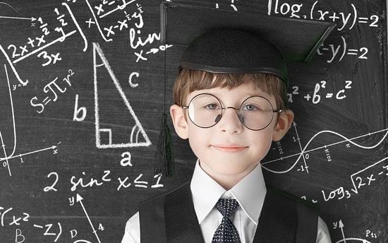 ساعت13/نقش موثر خانواده و معلمان بر خلاقیت کودکان
