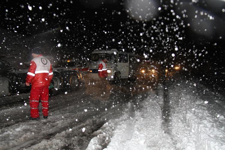 آماده باش ۷۱ مرکز و پایگاه امداد و نجات هلالاحمر در فارس