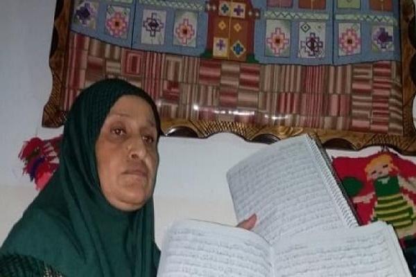 بانوی فلسطینی در کمتر از ۶ ماه دوبار قرآن را کتابت کرد + تصویر