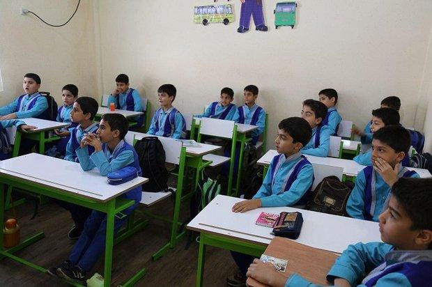 حل مشکل کمبود معلم در هنرستانها/ کلاس خالی در تهران نداریم