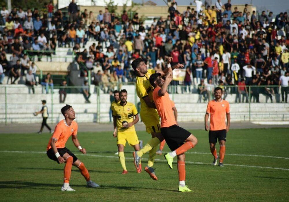 تساوی تیم فوتبال ۹۰ ارومیه و مس کرمان در میان حواشی