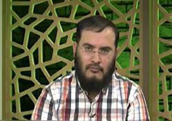 سوتی عجیب مجری شبکه وهابی روی آنتن زنده + فیلم