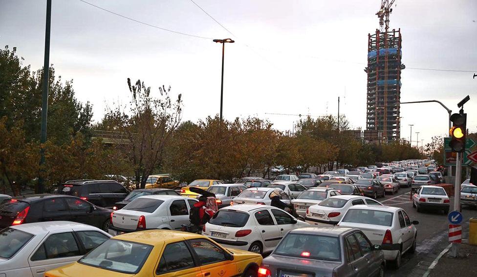 ترافیک سنگین در بزرگراه حکیم، همت و نواب