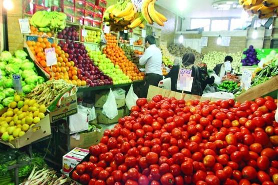 روز/ نوسان قیمت گوجه فرنگی در بازار/کمبودی در عرضه میوه های پاییز وجود ندارد