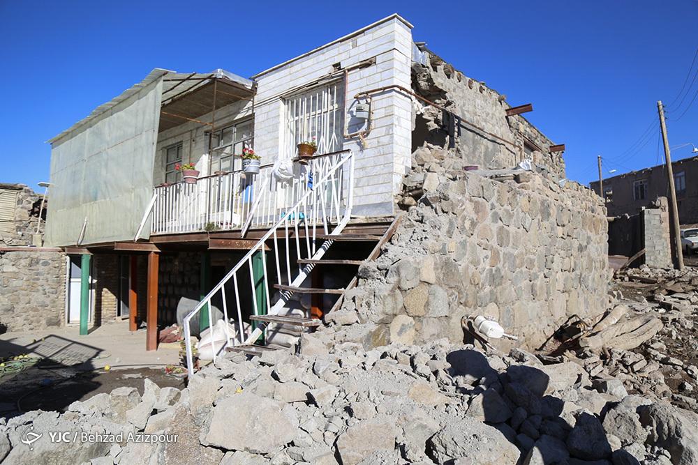 همدلی همگانی برای زدودن غبار از مناطق زلزله زده