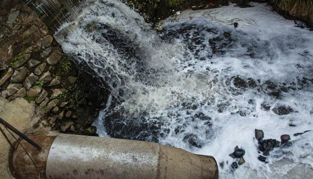 آزاد سازی ۵ هکتار از بستر رودخانه فرحزاد